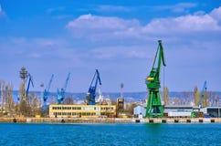 Grues de niveau d'oloffée de port Photos libres de droits