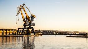Grues du port de Trieste photo stock