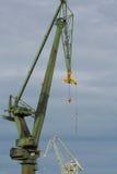 Grues industrielles dans des chantiers navaux de Danzig photo libre de droits