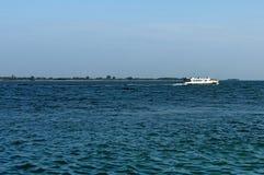 Gruise-Schiff im Adreatic-Meer nahe Venedig Stockfotografie