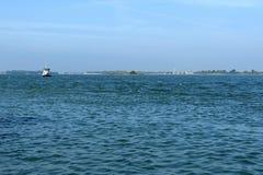 Gruise-Schiff im Adreatic-Meer nahe Venedig, Italien Lizenzfreie Stockfotografie