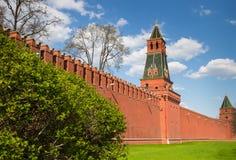 Góruje Moskwa za czerwoną Kremlin ścianą Obrazy Stock