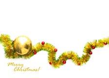 Grußkarte gemacht vom gelben und grünen Lamettarahmen mit den roten und goldenen Weihnachtsbällen Stockbild