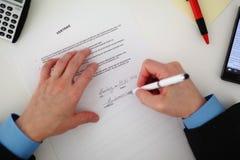 grund underteckning för avtalsdjupfält Arkivfoton