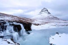 Grundarfjorour berühmter Berg Island lizenzfreie stockfotografie