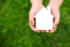 Grundbesitz? Häuser, Ebenen für Verkauf oder für Miete Lizenzfreie Stockbilder