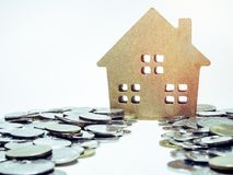 Grundbesitz? Häuser, Ebenen für Verkauf oder für Miete lizenzfreie stockfotografie