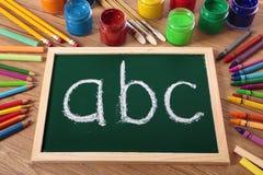 Grundläggande läsning för abc och handstil, förskole- utbildning Fotografering för Bildbyråer