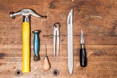 Grundläggande skomakare Tools arkivfoto