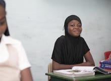 Grundl?ggande skolbarn fr?n Ghana, V?stafrika fotografering för bildbyråer