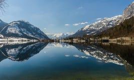 Grundlsee in de winter, Oostenrijk Royalty-vrije Stock Foto's