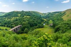 Grundstein-Viadukt, Derbyshire, England, Großbritannien lizenzfreie stockfotos