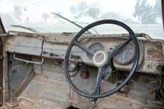 Grunge и высокие ржавые элементы старого роскошного автомобиля стоковое изображение rf