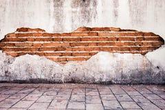 grunge achtergrond, rode heldere het pleistermuur van de bakstenen muurtextuur Stock Foto's