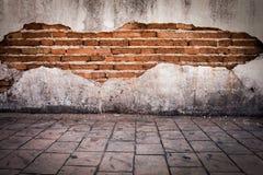grunge achtergrond, rode heldere het pleistermuur van de bakstenen muurtextuur Royalty-vrije Stock Afbeeldingen