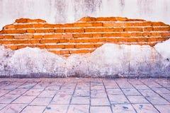 grunge achtergrond, rode heldere het pleistermuur van de bakstenen muurtextuur Stock Foto