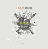 Grunge affischbakgrund Smutsigt stads- tryck för t-skjorta Abstrakt smutsbakgrundstextur Grungebaner med en bläckig drib Fotografering för Bildbyråer