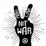 Grunge bedrövade konturn för fredtecknet med gör krig för förälskelse inte stock illustrationer