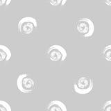 Grunge bielu okręgi na popielatym tle Obrazy Royalty Free
