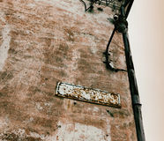 Grunge blank street sign Royalty Free Stock Images