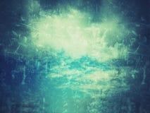 Grunge Blaubeschaffenheit Himmel mit Wolken und einer alten Beschaffenheit Stockfotografie