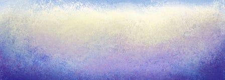 Grunge blauwe gele witte purpere en blauwe achtergrond met veel textuur, donkere grenzen en licht centrum stock foto's