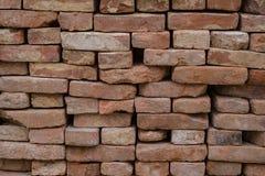 Grunge de maçonnerie de pile de tas de mur de briques vieux Image stock