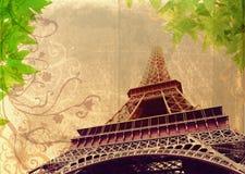 Grunge Eiffelturm im Sepia Stockfotos