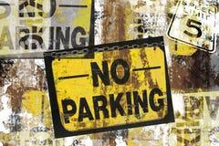 grunge inga parkeringstecken Royaltyfria Bilder