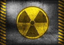 Grunge kärn- utstrålningssymbol Royaltyfri Bild