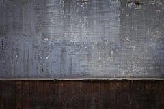 Grunge målade tegelstenväggen Arkivfoto