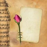 Grunge Papier mit stieg auf musikalischen Hintergrund Lizenzfreies Stockbild