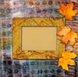 Grunge papieru projekt w scrapbooking stylu z photoframe Obrazy Stock