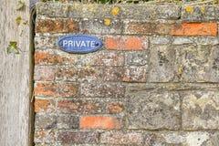 Grunge Rot-Backsteinmauer Lizenzfreies Stockfoto