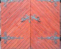 Grunge stajni stary drzwi czerwieni brzmienia Fotografia Royalty Free