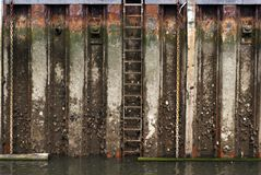 Grunge wall in harbor Royalty Free Stock Image