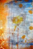 Grunge Wandhintergrund mit Gänseblümchen Stockfotografie