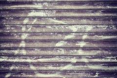 Grunge wykładający metalu ściana, tło lub tekstura, Zdjęcia Stock