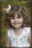 grunged девушкой усмехаться портрета Стоковая Фотография RF