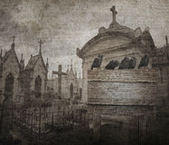 Grungehalloween bakgrund med galandet, gravvalv i form av chpe Royaltyfria Foton