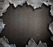 Grungemetallbakgrund med sönderrivna kanter Arkivfoto