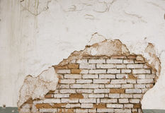 Grungevägg av det gamla huset texturerad bakgrund Arkivbild