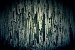 Темная текстура краски шелушения на старой Grungy древесине Стоковые Изображения RF