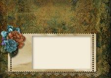 Grungy bakgrund för tappning med ramen och härliga blommor Royaltyfria Bilder