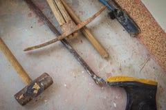 Grungy budów narzędzia tak jak gumowy but, młot, piętak, Obraz Royalty Free