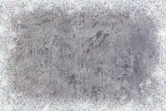 Grungy concrete muur of vloer als achtergrondtextuur samenvatting met sneeuwvlokken De achtergrond van Kerstmis Nieuw jaar bovenk Stock Afbeeldingen