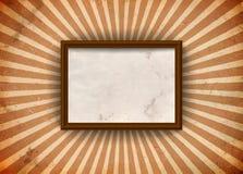 Grungy Feld mit Strahlen Lizenzfreie Stockfotografie