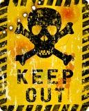 Grungy halten Sie Warnzeichen ab Stockfoto