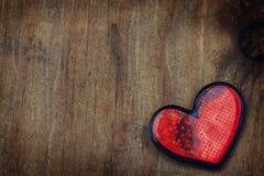 Grungy hjärta för valentin Royaltyfria Bilder