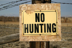 Grungy No Hunting Sign Stock Images